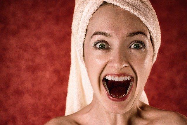 Zęby można wybielić domowymi sposobami